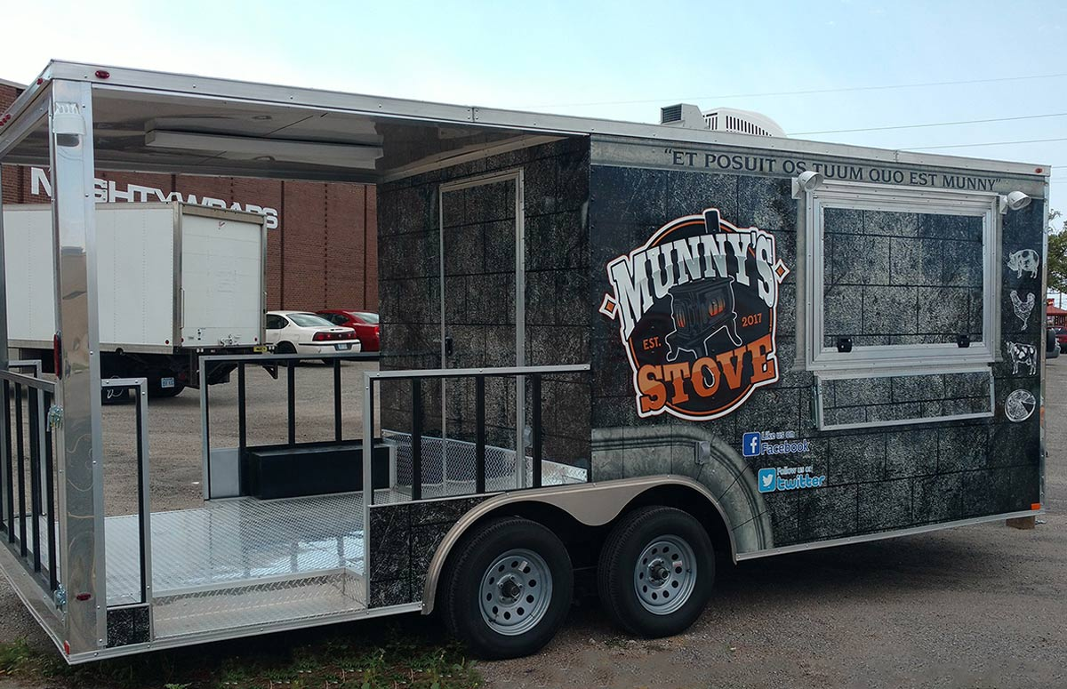 Munny's Stove Food Truck Trailer Wrap Curb Side